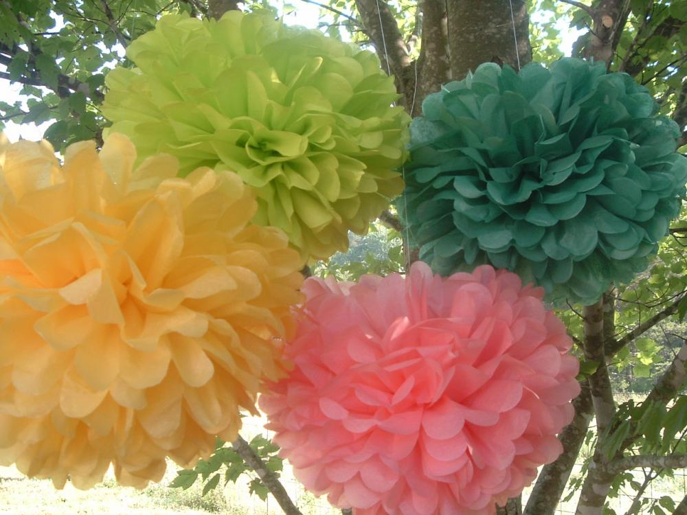 Party decorations. Wedding decorations. 10 Tissue paper poms
